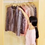 Busta di plastica di pulizia per abiti o abiti