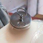 Tapa de metal plana para colgar bustos
