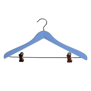 Beechwood hanger with clips 45 cm.
