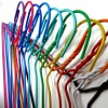 Aufhänger für die chemische Reinigung und Wäsche von Draht in PVC 42 cm bedeckt.
