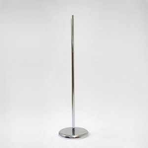 Base metal redonda diámetro 27cm. mástil metálico 100cm.