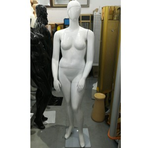 Lady's mannequin in flesh color and sculpted hair size 48/50 model Roxanne.