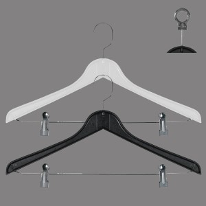 Flat plastic hanger with clips 43 cm.