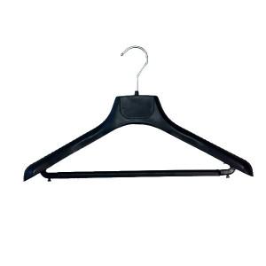 Percha de plástico con barra con hombreras grandes 42 o 45 cm.