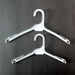 Plastic hanger dress or shirt 27 and 32cm.