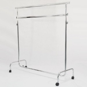 Perchero metálico con ruedas de ancho 150cm. extensible y regulable en altura con doble barra