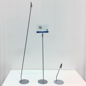 Porta-preu metàllic inclinat amb pinça diverses altures