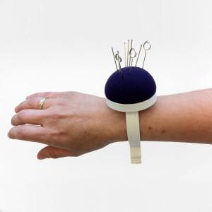 Pelote à épingles bracelet poignet