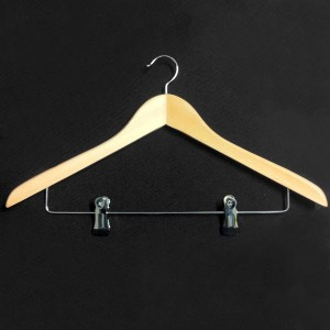 Curved wooden hanger with clips 45 cm.