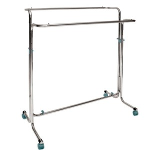 Metallic clothes rack with wheels width 130cm. with double bars height adjustable
