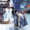 Porte-vêtements à colonne avec 3 bras saillants inclinés