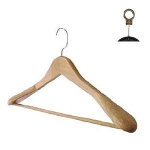 Beechwood hanger with bar and shoulder pads 45 cm.