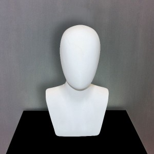 Featureless man head in fiberglass