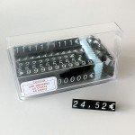 Caja de números y símbolos para exponer precios