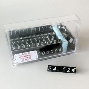 Boîte avec des numéros et symboles pour exposer les prix