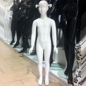 Mannequin fille 5/6 ans