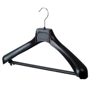Tailoring plastic hanger with bar with big shoulder pads 45cm.