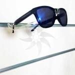 Expositor d'ulleres obertes per panell de lames