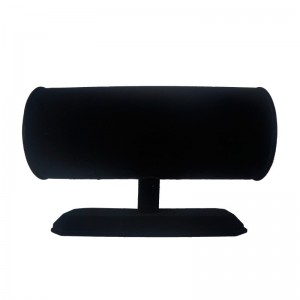 Exhibitor in black velvet headbands