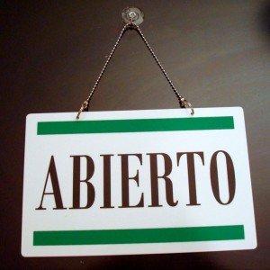 Cartel Abierto-Cerrado con franjas