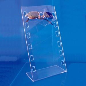 Bent glasses display 3-6-10 units
