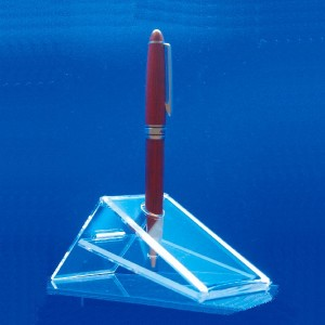 Display stand for triangular pens