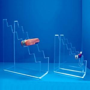 Display of 6 razor blades