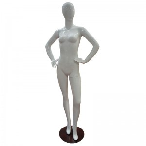 White lady mannequin without features mod. Vera